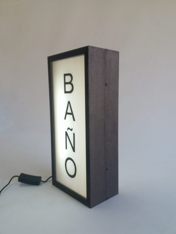 Read more about the article Custom Double-sided Lightbox BAÑO for Yolqueria