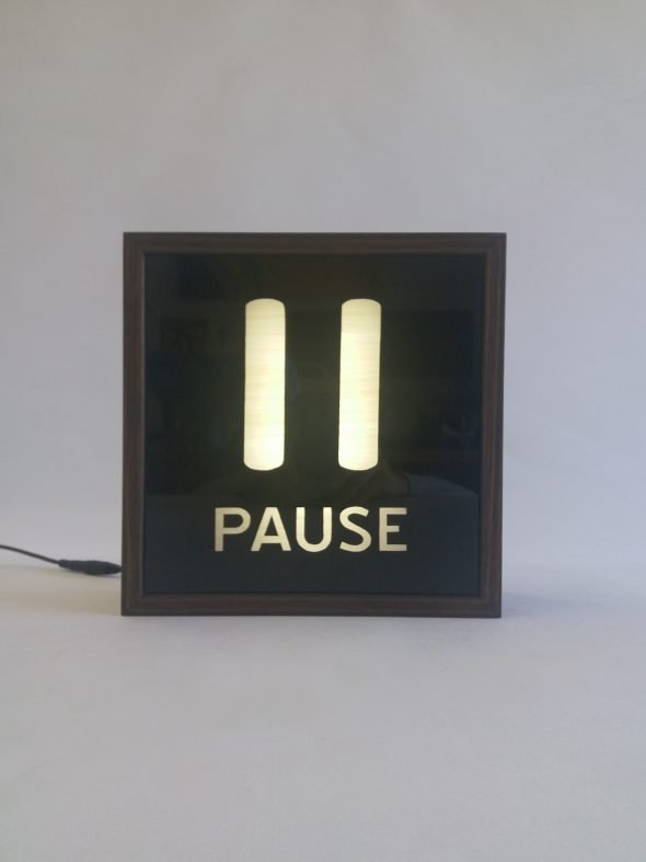 Read more about the article Custom Pause Lightbox Sign